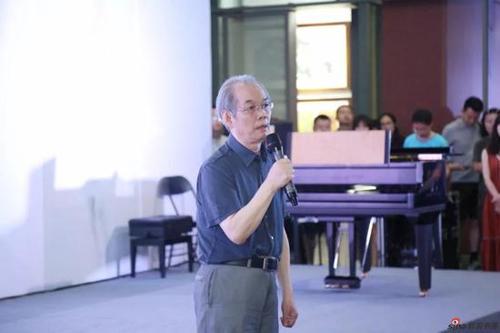西安美术学院教授、美术批评家彭德致辞
