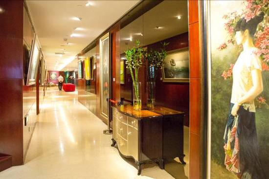 """上海艺术馆""""当代中国油画精英邀请展""""展览现场"""