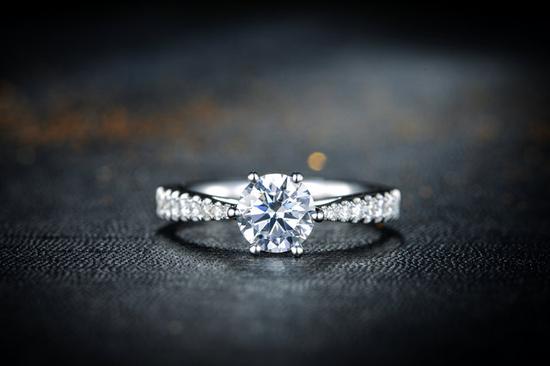 浅谈钻石应该如何佩戴与保养