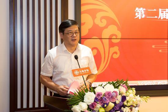 中国美术家协会分党组书记、驻会副主席、秘书长徐里致辞