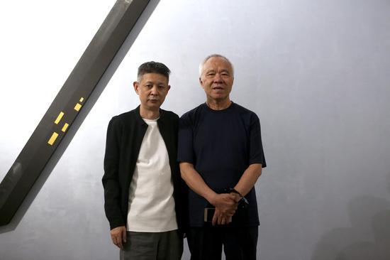 左起:艺术家王非 北京画院一级美术师杨刚