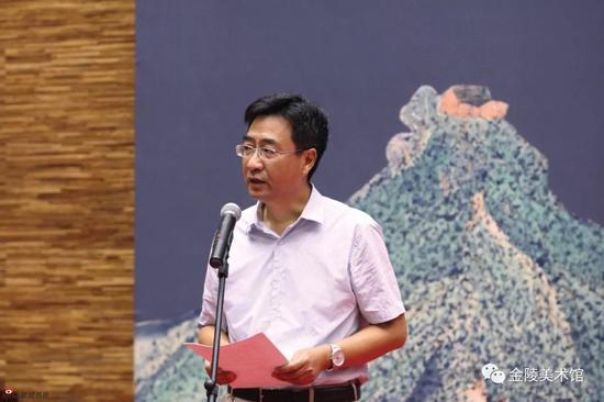 南京市文广新局巡视员顾小荣主持了开幕式