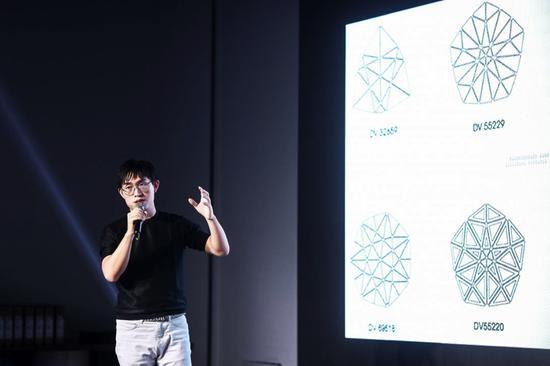 独立设计师、数字艺术家张周捷
