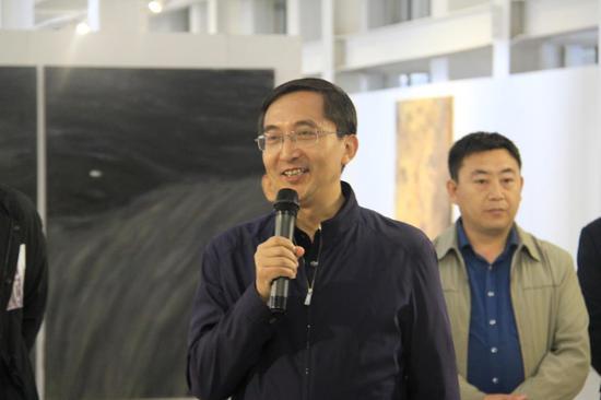 最后平遥县委常委、宣传部高庆林部长发表讲话,并宣布本次展览开幕