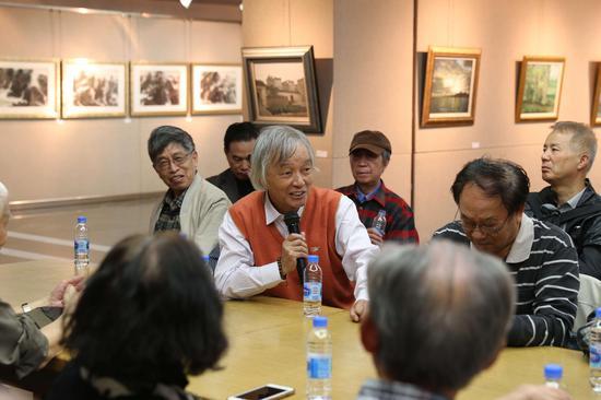 研讨会现场:艺术家陆志文教授发言