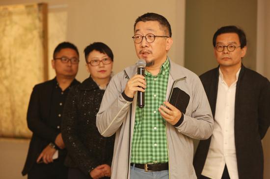 当代艺术家、艺术策展人袁加先生致辞