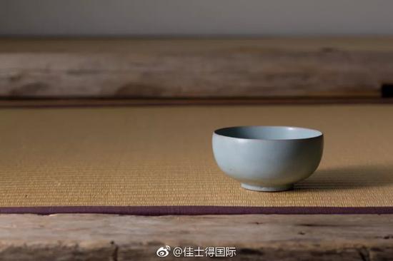 独一无二的明星拍品 北宋汝窑天青釉茶盏有何神通