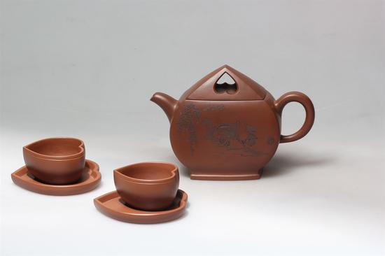 艺术家吴燕群作品 心心相印茶具 泥料:红泥 年代:1996 容量:300CC