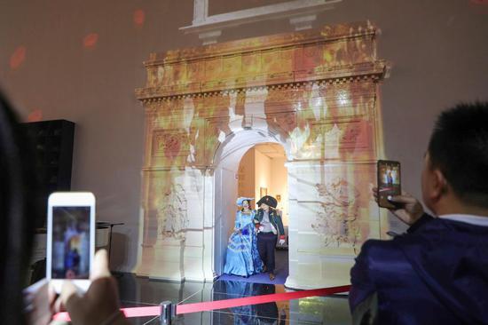 """""""拿破仑""""携""""约瑟芬""""出场,图?上海喜玛拉雅美术馆"""