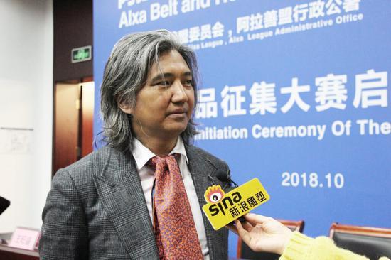 吴为山先生接受新浪雕塑频道现场采访