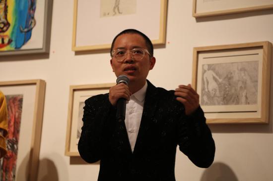 新浪当代艺术频道总监 陈晓峰