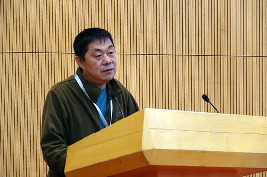 北京大学中国社会与发展研究中心研究员、教授于长江做主题发言