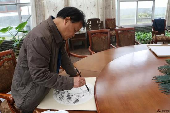 江苏省中国画学会常务理事 李晓东现场创作