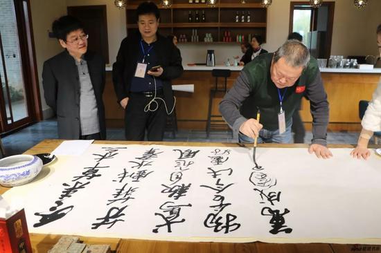 江苏省中国画学会特邀艺术家 马孟杰现场创作