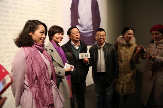 杨耀宁老师接受现场直播