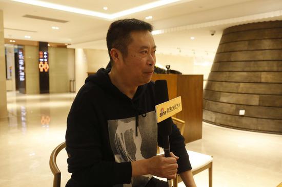 研讨会现场:上海大学数码学院教授刘兆君发言