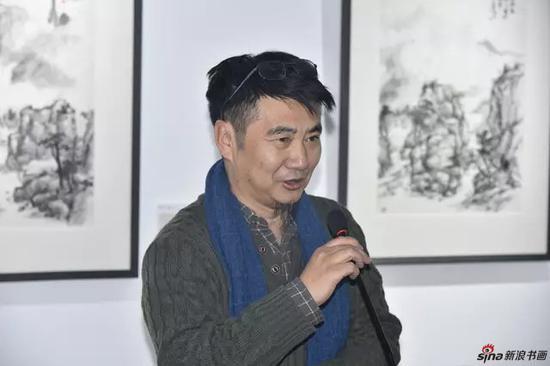 著名评论家 <a href=http://artist.legendart.cn target=_blank class=infotextkey>画家</a> 许宏泉先生