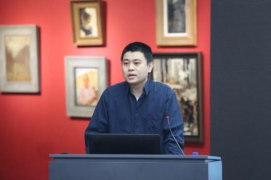 清华大学美术学院雕塑系教师王寅