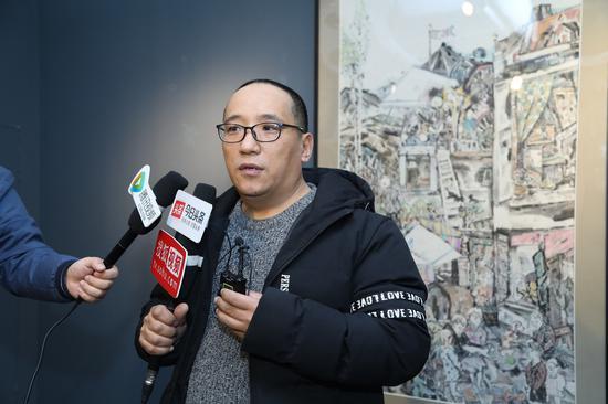 北京财贸职业学院旅游与艺术学院会展策划与旅游管理系系主任张磊接受采访