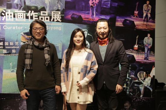 艺术家华庆、齐济合创机构总经理张永溪、北京汉威国际艺术中心馆长馆长张思永