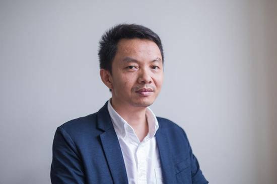 评委胡斌(中国艺术研究院博士、广美美术馆副馆长、艺术管理学系教授)