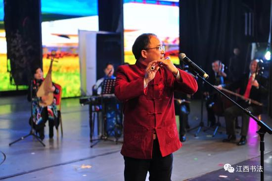 笛子独奏:《牧民新歌》表演者:新余基础班学员刘献忠