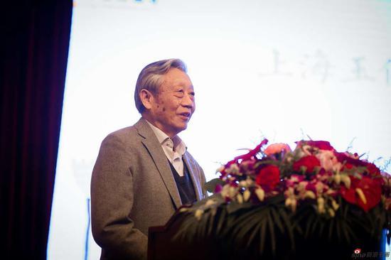 陈家泠先生在致辞中,介绍了此次佛教艺术馆创建的缘起