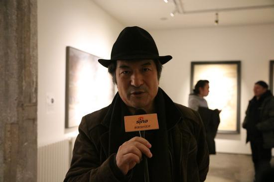 嘉宾著名艺术家邢俊勤先生接受新浪当代采访