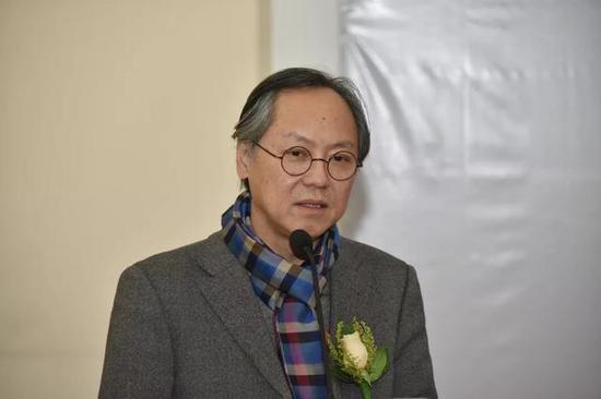 中国美术家协会副主席,清华大学美术学院院长鲁晓波致辞