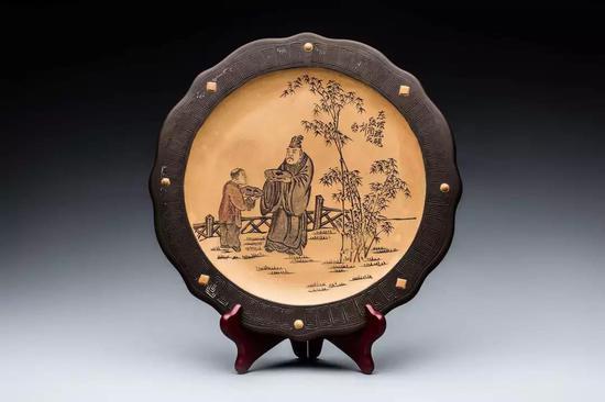 金鼎跂陶刻东坡玩砚图紫砂盘 周罡藏