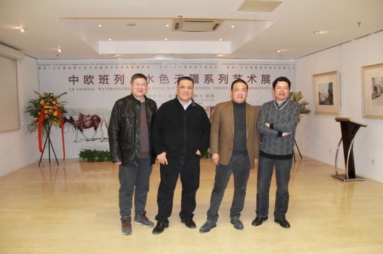四位展览艺术家的合影(从左至右:李意淳、卓晓光、蒋智南、董克诚)