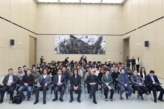 """""""版画中国·版画艺术在民间""""全国系列巡展天津滨海站在滨海美术馆开幕。"""