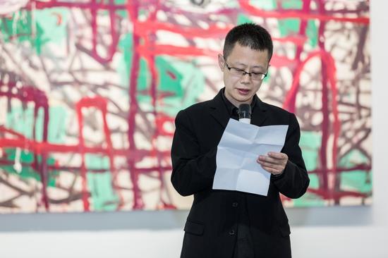 艺术家代表杨劲松在开幕式上发言