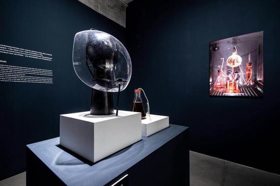 无受害者的皮革 Victimless Leather 2004 细胞组织培养艺术计划(奥伦·凯茨和伊恩纳·祖儿) The Tissue Culture & Art Project (Oron Catts & Ionat Zurr) 图片来源:现代汽车文化中心