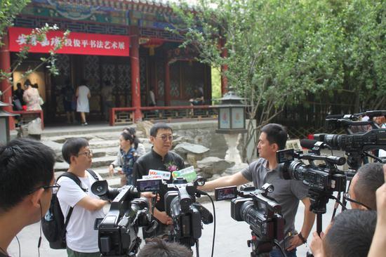 段俊平先生接受媒体采访