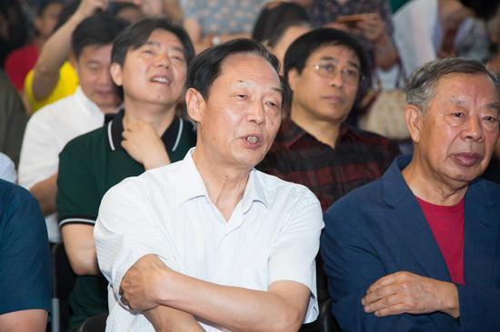 中国书法家协会理事杨明臣在开幕式现场