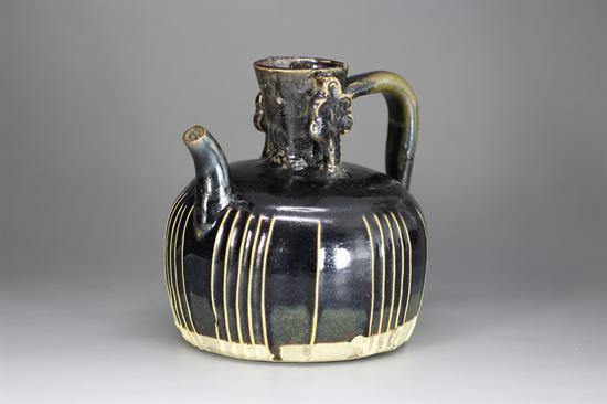 宋—金 黑釉线条壶