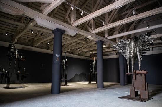陳世英個展《鈦坦:物質與時空對話》展覽現場,Fondaco Marcello,威尼斯,2021,攝影:Giacomo Cosua