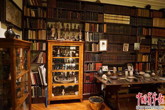 弗洛伊德的骨董和黄色书刊