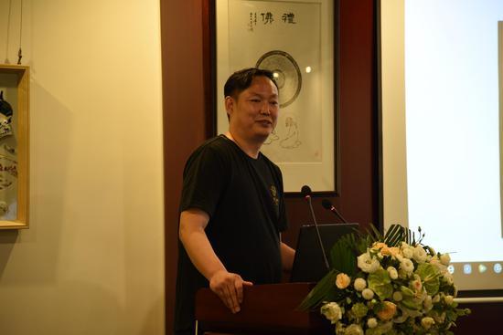 中国陶瓷馆馆长、观瓷书院创始人陈士龙