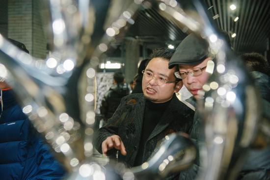 艺术家朱峰与嘉宾交流