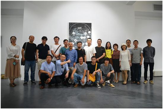 陈胄个展《生机》在北京798艺术区凤凰含章艺术中心开幕