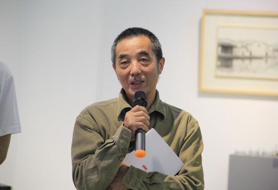北京航空航天大学新媒体艺术与设计学院教授 颜新元