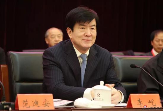 中国文联党组书记、副主席李屹同志出席闭幕式