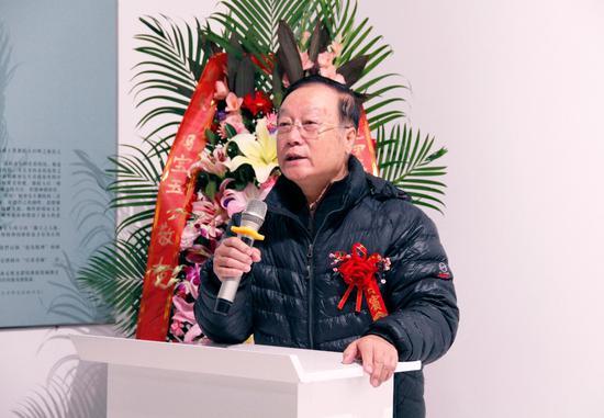 ▲北京市收藏家协会专家委员会副主任、书画专业委员会主任李长安