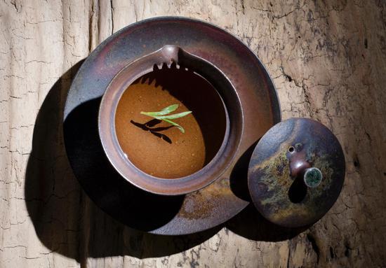 黄学存作品《盖碗》 材质陶