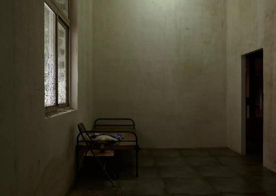 Nobody Cares 没有人在乎,展览的第二个房间