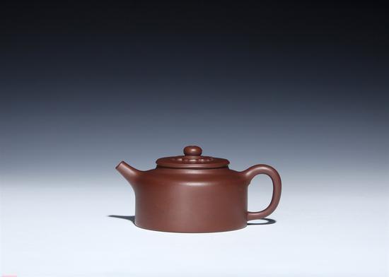 艺术家刘军作品 平盖菱花壶 泥料:底槽清 年代:2017 容量:350 CC