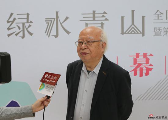 清华大学美术学院教授杜大恺接受媒体采访