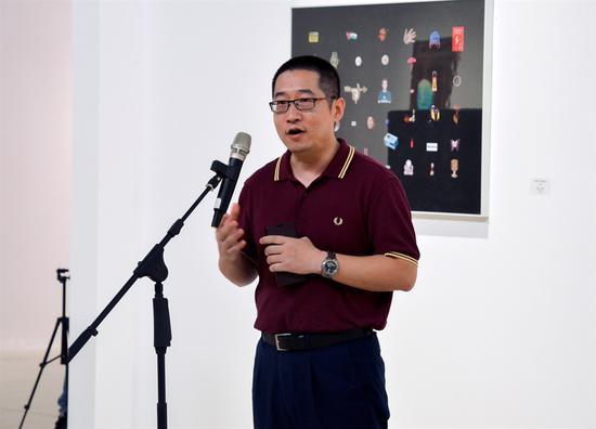 紫泥堂艺术小镇副总经理梁光先生宣布开展